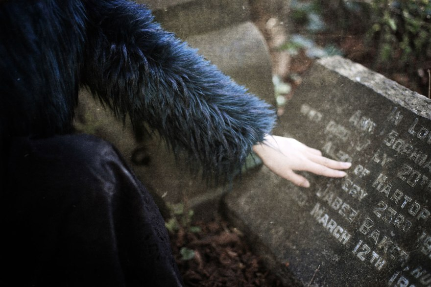 girl-graves-cemetery-inscriptions-gothic-web