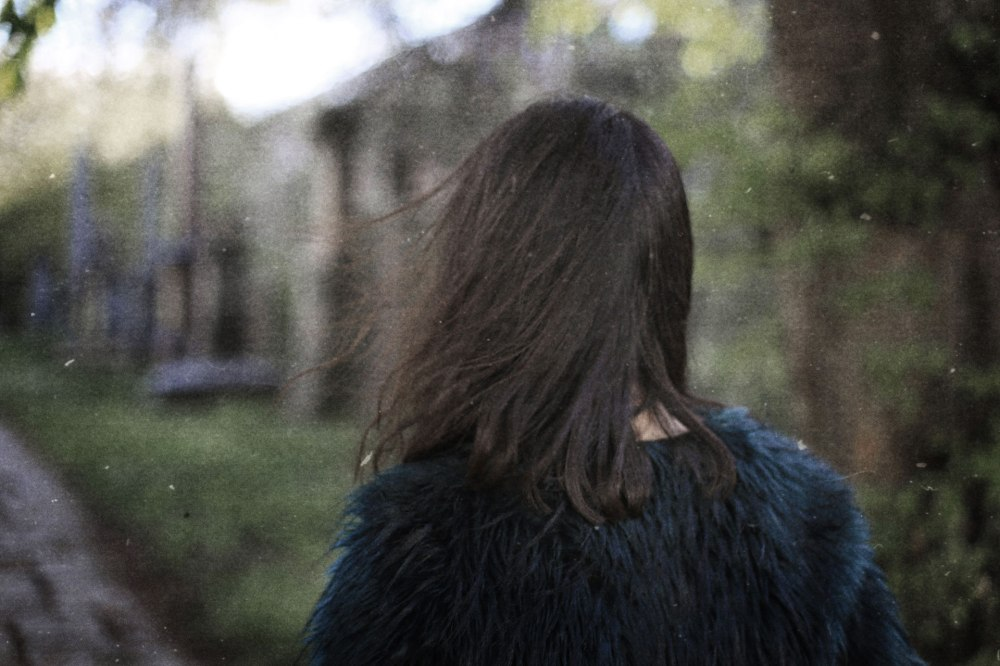 girl-nature-fur-cemetery-portrait