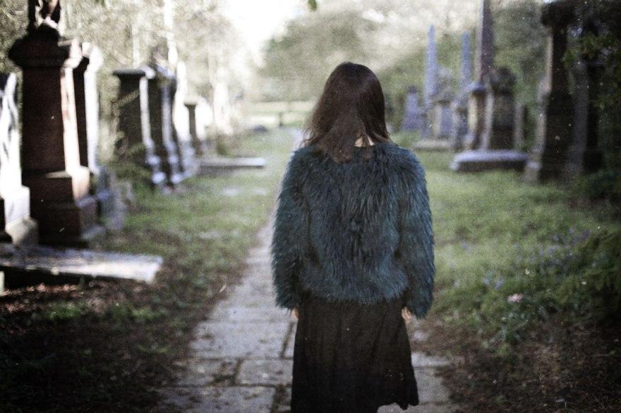uncanny-gothic-photography-cemetery