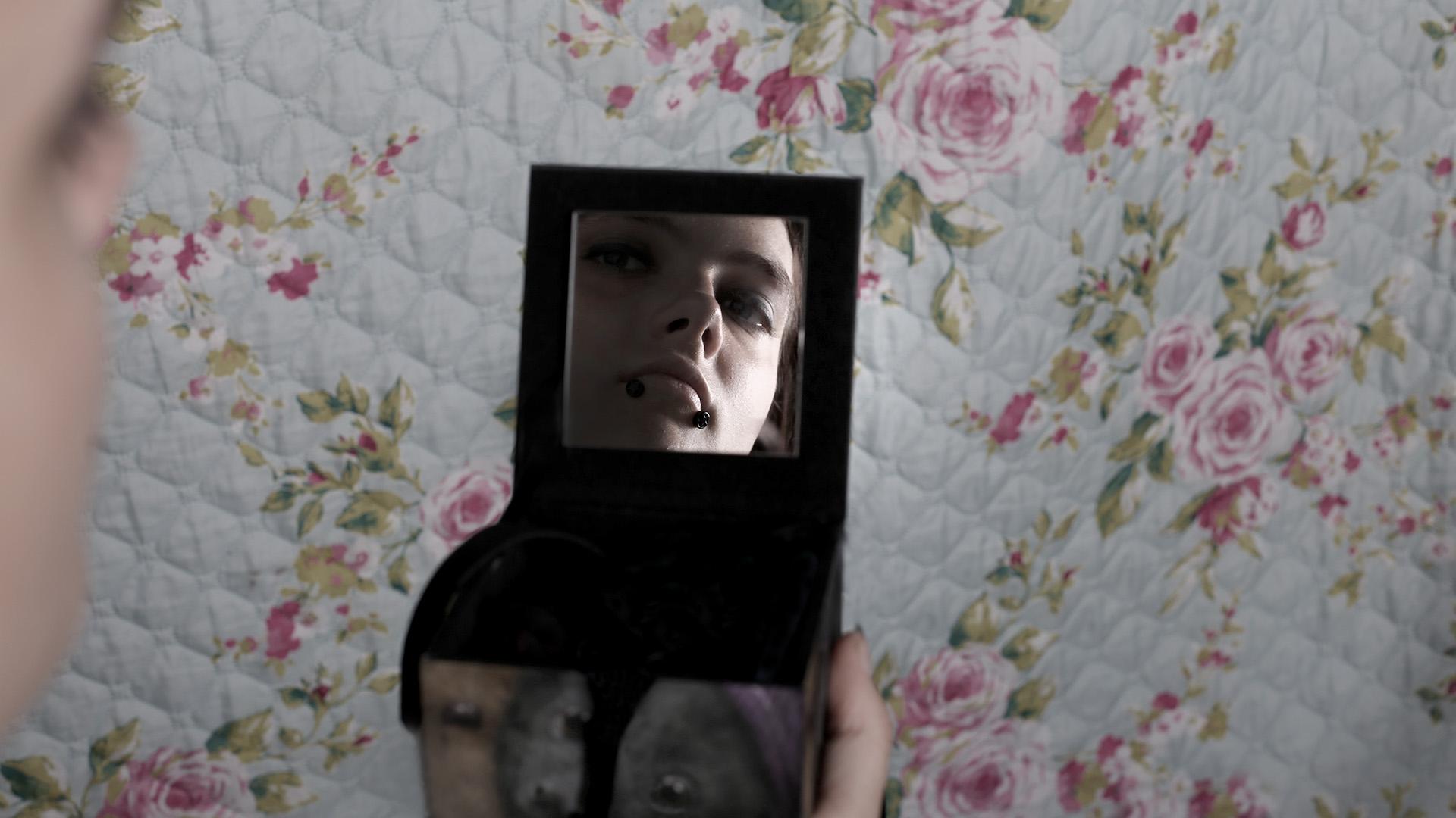 diana-marin-photography-mirror-reflection