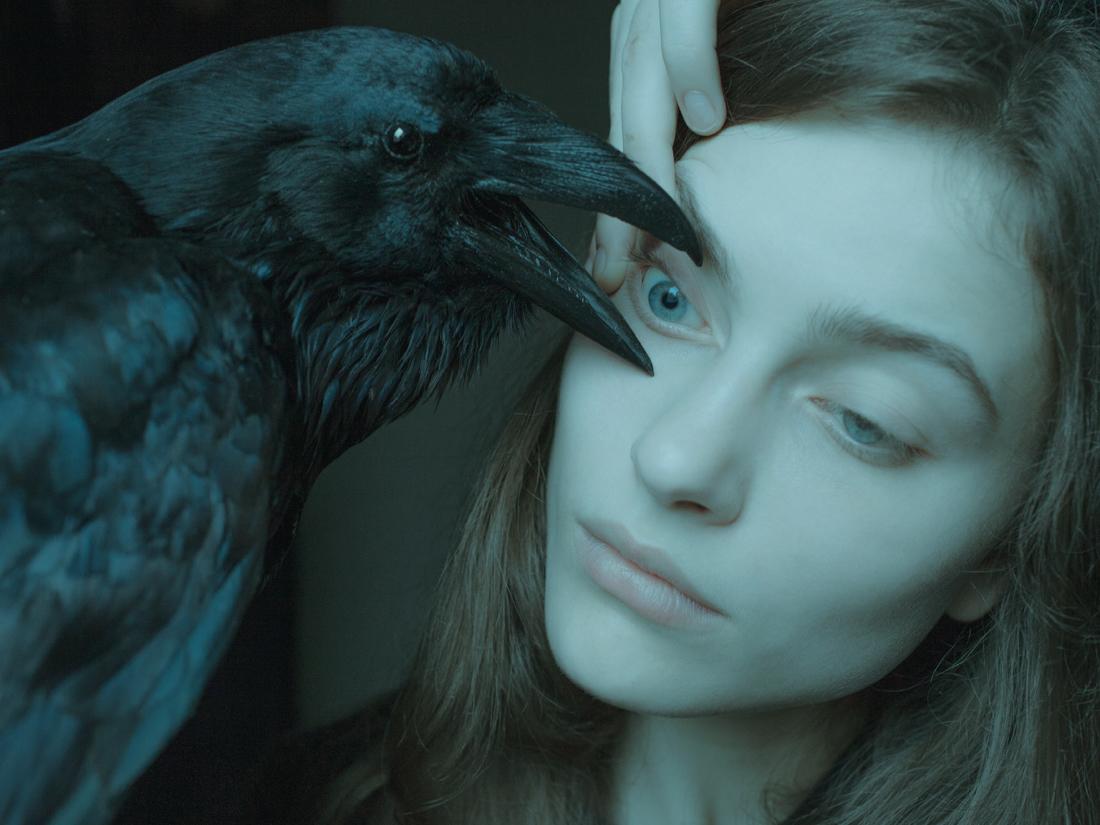 fine-art-photographers-review-dark-fairytale-crow-uncanny