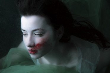 bloody-underwater-fine-art-portrait