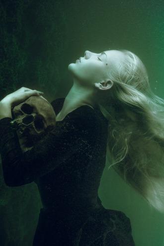 hold-on-underwater-fine-art-portrait