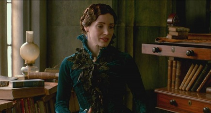 crimson-peak-costume-design-blue-velvet-dress-symbolism-2