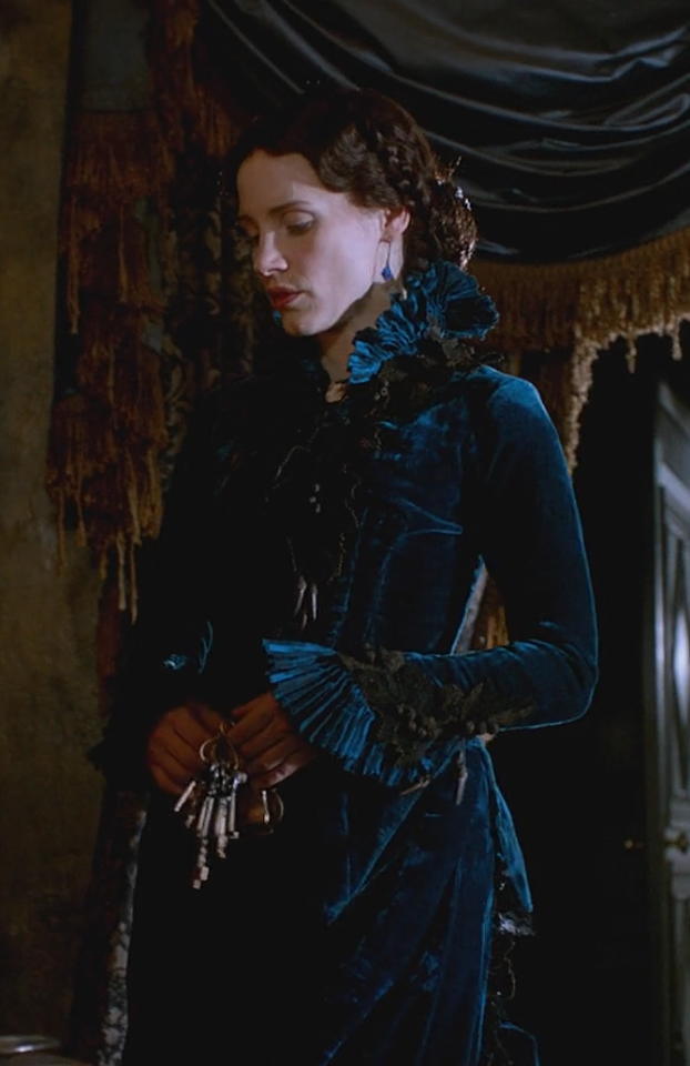 crimson-peak-lucille-blue-velvet-dress-symbolism